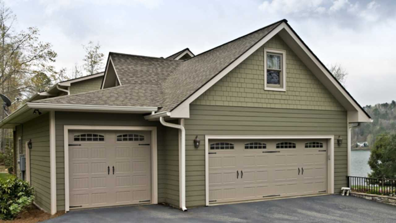 Some Essential Must for Garage Door Repair